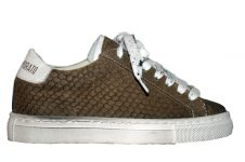 AM-sneaker-army